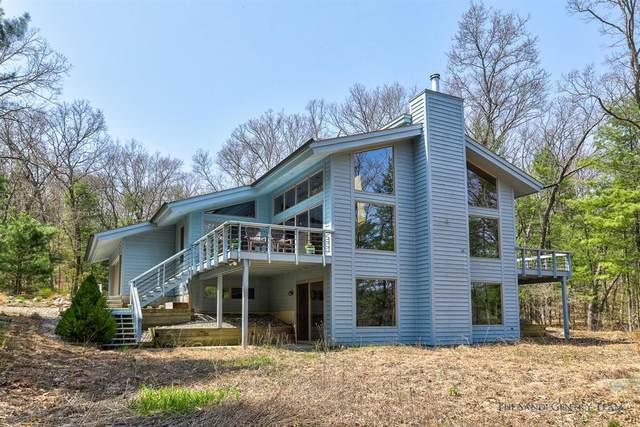 2936 Cedar Hills Lane, Cedar Creek Twp, MI 49457 (#71021013980) :: Real Estate For A CAUSE
