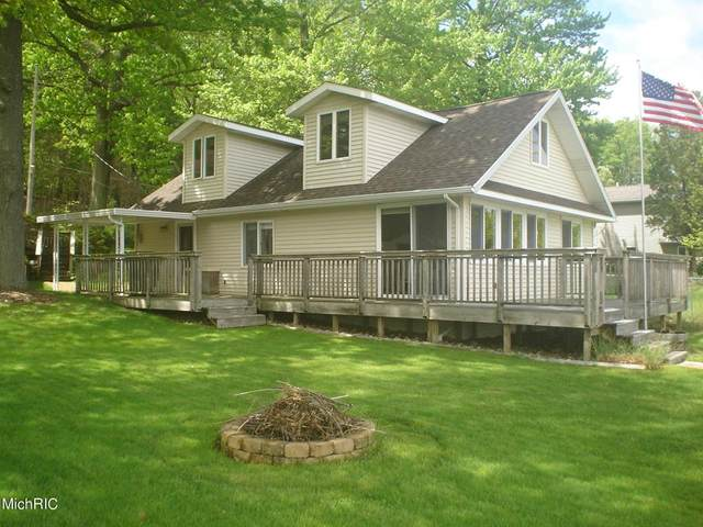 9264 Redwood Drive, Brooks Twp, MI 49337 (#65021014024) :: RE/MAX Nexus