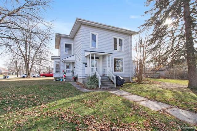 305 S Walnut Street, Howell, MI 48843 (#2210029595) :: Real Estate For A CAUSE