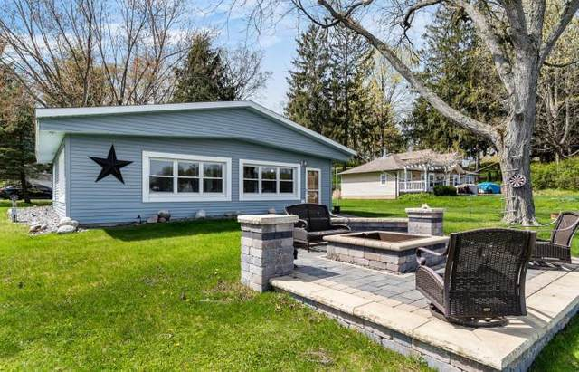 31742 S Lakeshore Drive, Silver Creek Twp, MI 49047 (#69021014120) :: Real Estate For A CAUSE