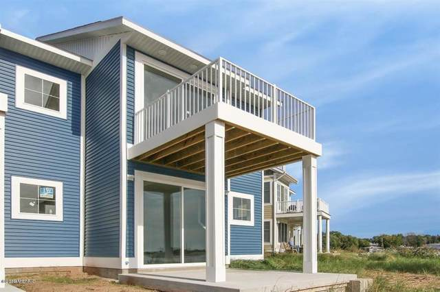 131 Joslin Cove Drive, Manistee, MI 49660 (#67021014250) :: Novak & Associates