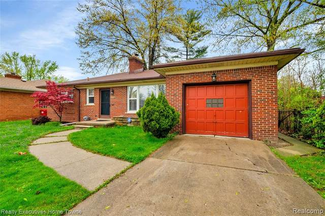 23804 Petersburg Avenue, Eastpointe, MI 48021 (#2210029882) :: Novak & Associates