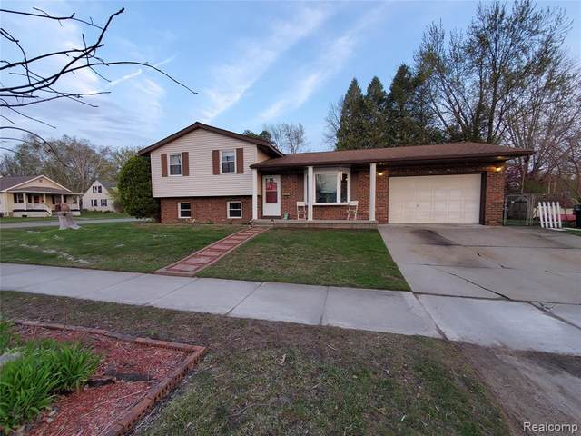 805 14th Street Street E, Marysville, MI 48040 (#2210029913) :: Real Estate For A CAUSE