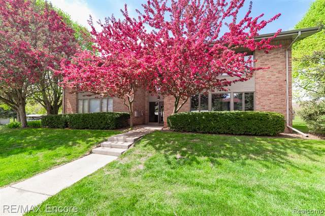 359 Concord Place Unit 2, Bloomfield Twp, MI 48304 (#2210030132) :: Keller Williams West Bloomfield