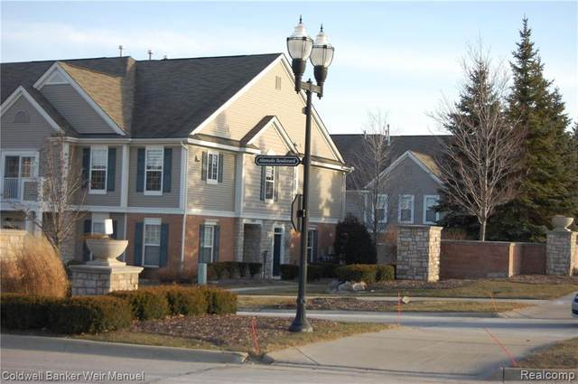 1052 Alameda Boulevard #18, Troy, MI 48085 (#2210030259) :: Real Estate For A CAUSE