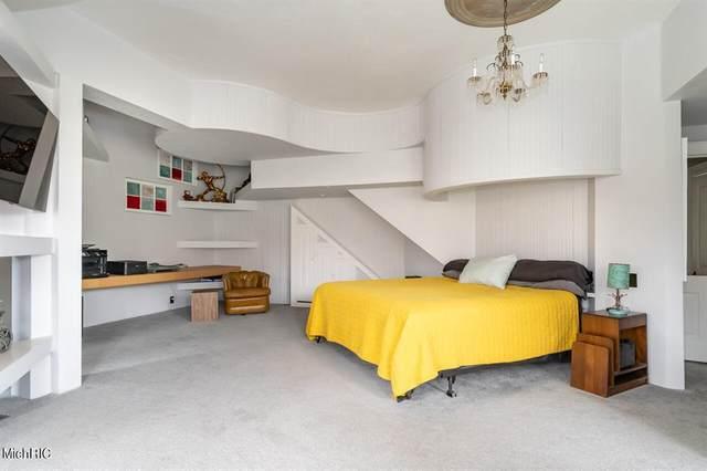 6739 124th Avenue, Saugatuck Twp, MI 49408 (#71021014617) :: Real Estate For A CAUSE