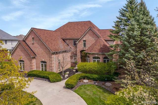 18524 E Clairmont Circle, Northville Twp, MI 48168 (#2210030672) :: Real Estate For A CAUSE