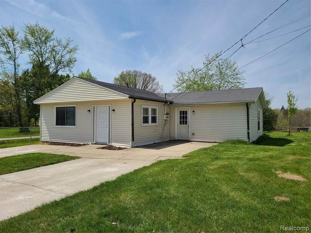405 Scott Road, Kimball Twp, MI 48074 (#2210030893) :: Real Estate For A CAUSE