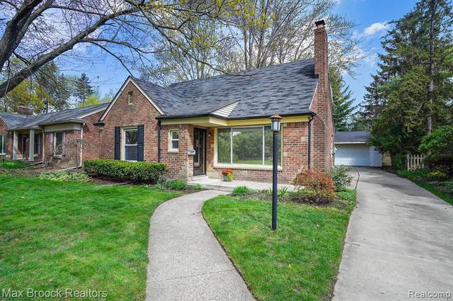 16270 Locherbie Avenue, Beverly Hills Vlg, MI 48025 (#2210031005) :: Real Estate For A CAUSE