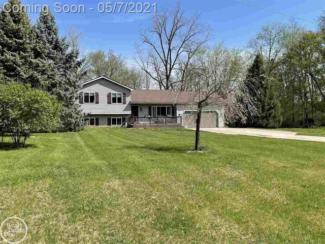 147 Harbor Pointe, Brandon Twp, MI 48462 (#58050040525) :: Real Estate For A CAUSE