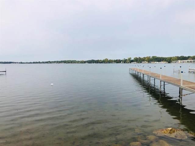 11192 E Indian Lake Drive, Brady Twp, MI 49097 (#66021015068) :: Novak & Associates