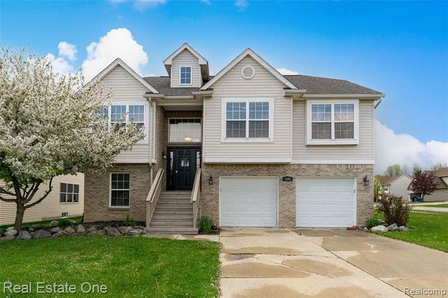 835 Alana, Davison, MI 48423 (#2210031432) :: Real Estate For A CAUSE