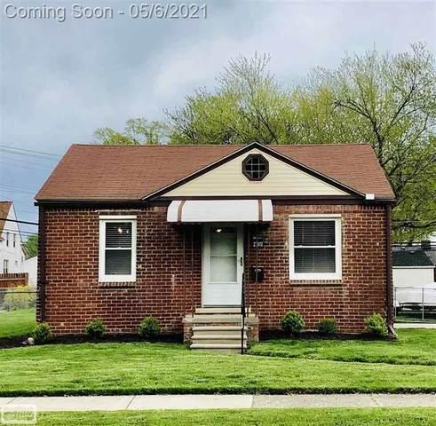 27912 Grant, Saint Clair Shores, MI 48081 (#58050040567) :: Real Estate For A CAUSE