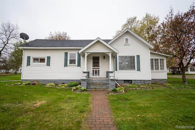 505 1st Street, Oxford Twp, MI 48362 (#2210031448) :: Real Estate For A CAUSE