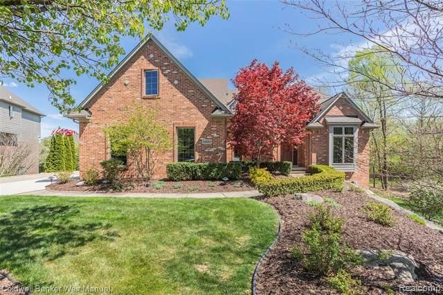 23952 Westmont Drive, Novi, MI 48374 (#2210031454) :: Duneske Real Estate Advisors