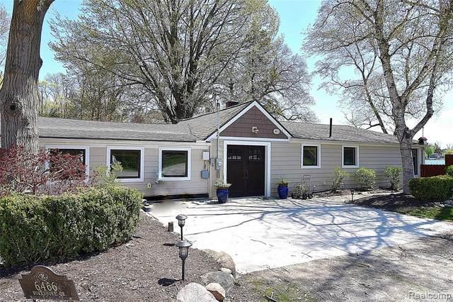 6466 Buckshore Dr, Hamburg Twp, MI 48189 (#2210031749) :: Real Estate For A CAUSE