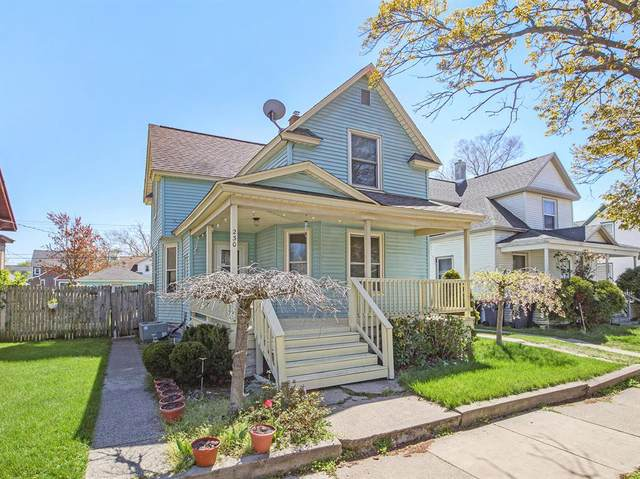 230 W 17th Street, Holland, MI 49423 (#71021015325) :: Real Estate For A CAUSE