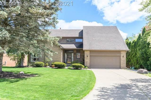 30779 Country Ridge Circle, Farmington Hills, MI 48331 (#2210031897) :: GK Real Estate Team