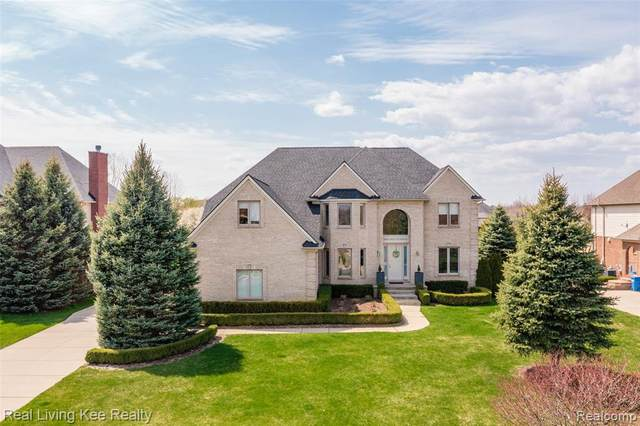 2668 Invitational Dr, Oakland Twp, MI 48363 (#2210032050) :: Real Estate For A CAUSE