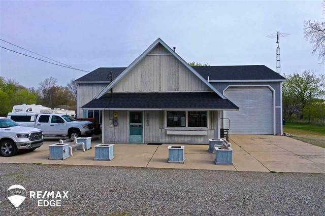 8755 E Lansing Rd, Durand, MI 48429 (#5050040824) :: BestMichiganHouses.com