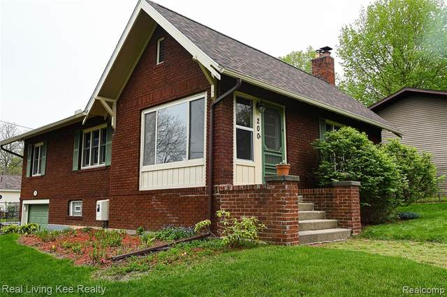 200 Baird Street, Holly Vlg, MI 48442 (#2210032274) :: Real Estate For A CAUSE