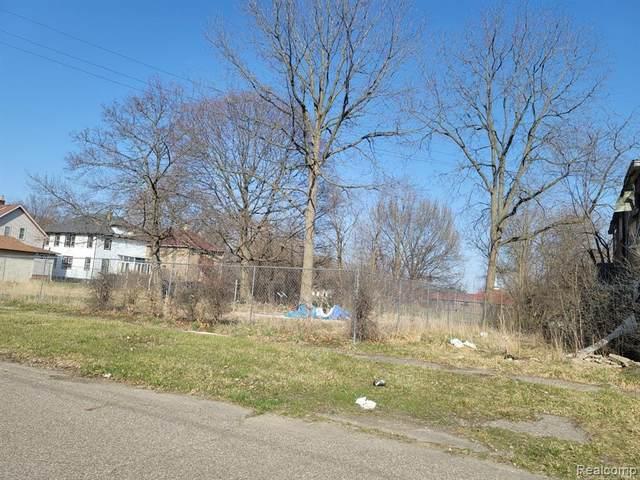 4404 Carlton Street, Flint, MI 48505 (#2210032432) :: Real Estate For A CAUSE