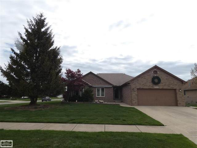 49392 Maplewood, Macomb Twp, MI 48044 (#58050040926) :: RE/MAX Nexus