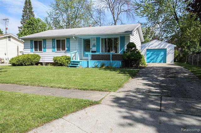 425 Hemlock Drive, Davison, MI 48423 (#2210032630) :: Real Estate For A CAUSE