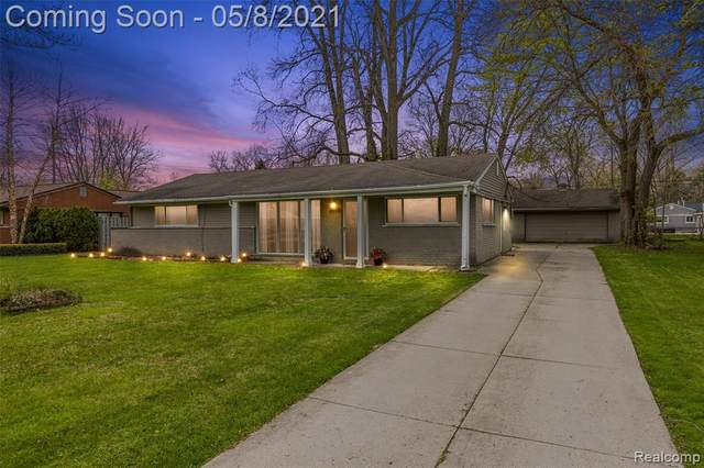 2559 Depew Drive, West Bloomfield Twp, MI 48324 (#2210032670) :: RE/MAX Nexus