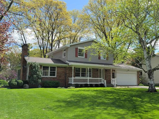 8100 Belaire Drive, Georgetown Twp, MI 49428 (#65021015830) :: Real Estate For A CAUSE
