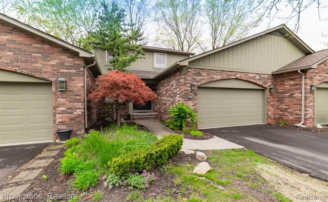 5654 S Adams Way, Bloomfield Twp, MI 48302 (#2210032825) :: Keller Williams West Bloomfield