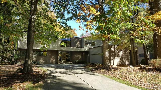 3749 S Elder Road, West Bloomfield Twp, MI 48324 (#2210032922) :: RE/MAX Nexus