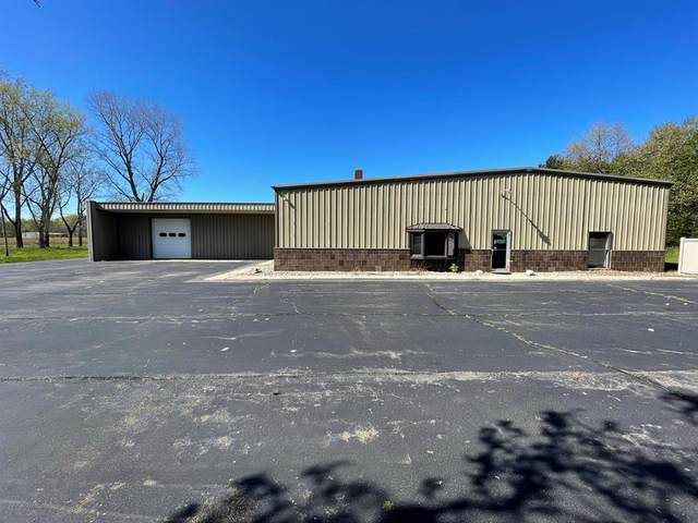 2944 Coloma Road, Hagar Twp, MI 49022 (#69021016080) :: Novak & Associates