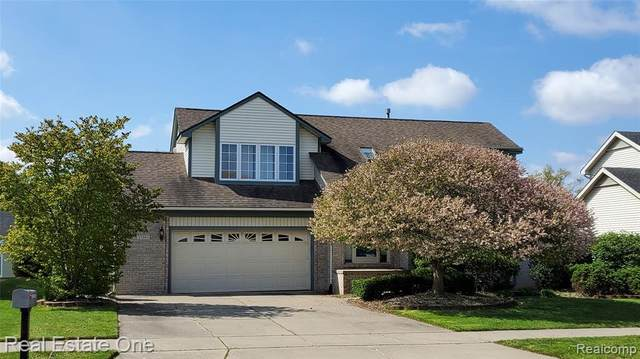 27903 Oakley Street, Livonia, MI 48154 (#2210033145) :: Novak & Associates