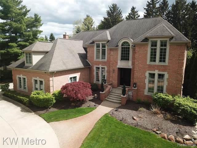 43455 Vero Court, Northville, MI 48167 (#2210033307) :: Real Estate For A CAUSE