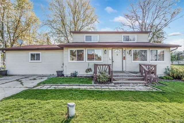 113 S Lake Drive E, Deerfield Twp, MI 48421 (#2210033438) :: GK Real Estate Team