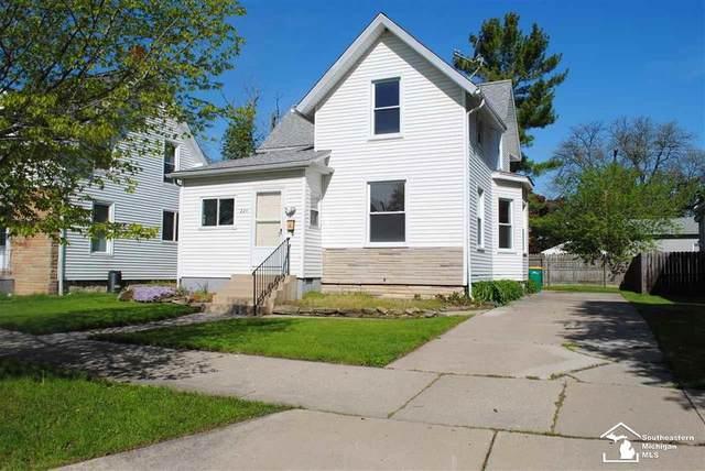 224 Cass St., Monroe, MI 48161 (#57050041223) :: The Alex Nugent Team | Real Estate One