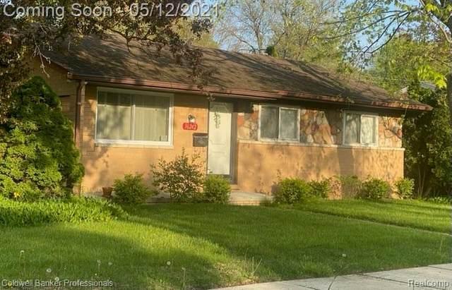 36242 Sandra St, Clinton Twp, MI 48035 (#2210033611) :: GK Real Estate Team