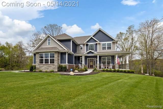 2560 Buckhead Drive, Brighton Twp, MI 48114 (#2210033664) :: Real Estate For A CAUSE