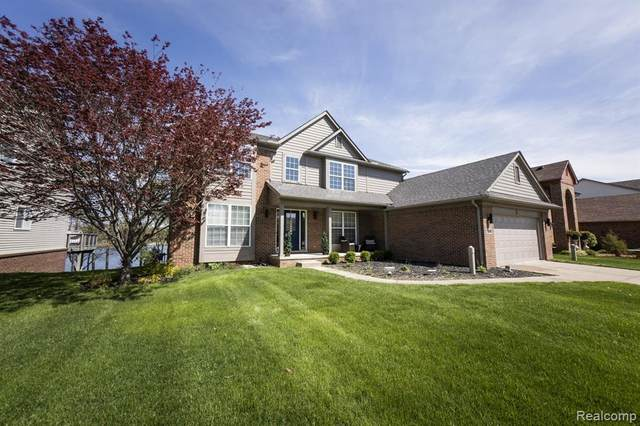 1941 Twin Sun Circle, Commerce Twp, MI 48390 (#2210033666) :: Real Estate For A CAUSE