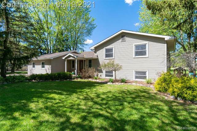 7501 N Beck Road, Canton Twp, MI 48187 (#2210033742) :: The Alex Nugent Team | Real Estate One