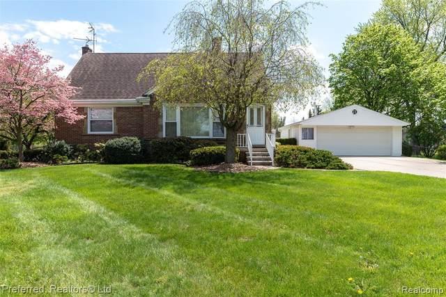 29151 Bretton Street, Livonia, MI 48152 (#2210033800) :: Novak & Associates