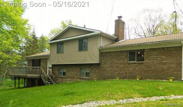 4940 Neosho Drive, Independence Twp, MI 48348 (#2210033894) :: Real Estate For A CAUSE