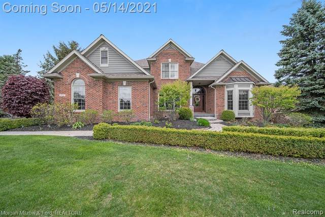 8207 Brookstone Lane, Independence Twp, MI 48348 (#2210033939) :: Real Estate For A CAUSE