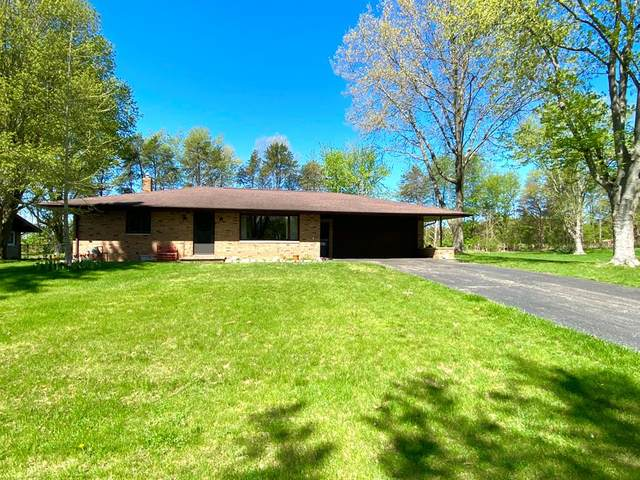 2794 W Park Lane, Hagar Twp, MI 49022 (#69021016393) :: Novak & Associates