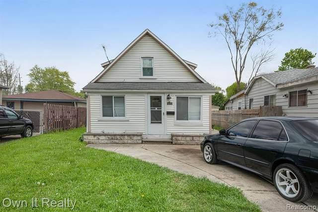 5689 Robinson Street, Dearborn Heights, MI 48125 (#2210034050) :: The Vance Group | Keller Williams Domain