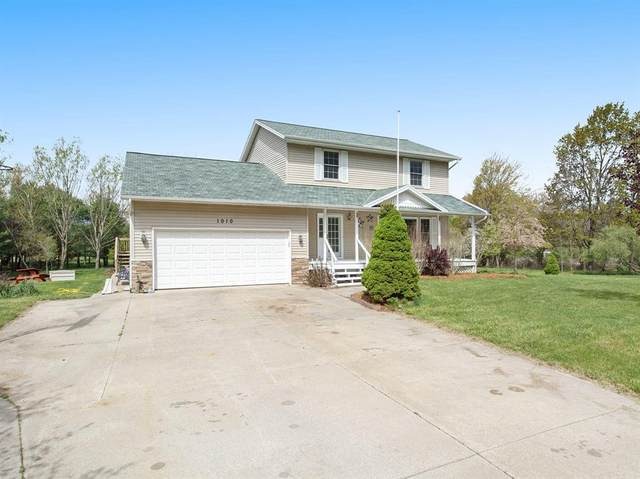 1010 Peach Street, Whitehall, MI 49461 (#71021016428) :: Novak & Associates
