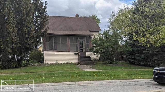 1401 Clinton, ST. CLAIR, MI 48079 (#58050041395) :: Real Estate For A CAUSE