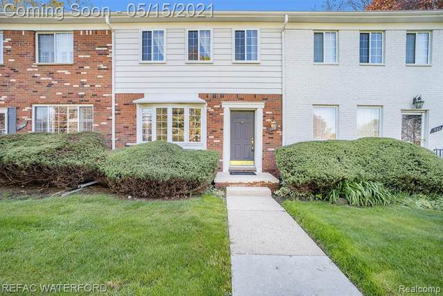 504 Fox Hills Drive S, Bloomfield Twp, MI 48304 (#2210034224) :: Keller Williams West Bloomfield