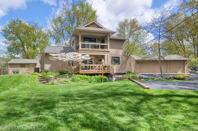 1655 Oldtown Avenue, West Bloomfield Twp, MI 48324 (#2210034234) :: The Alex Nugent Team | Real Estate One